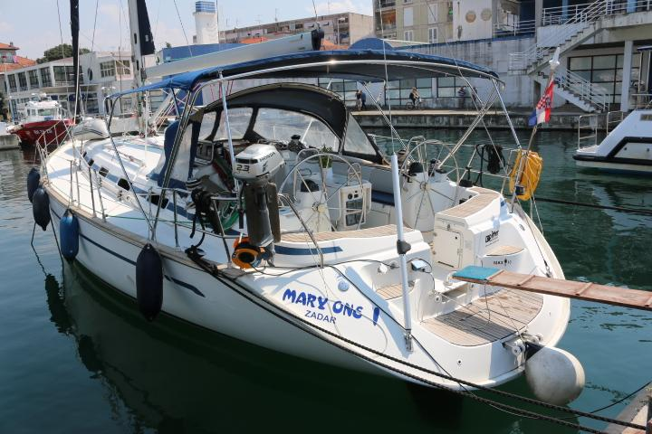 This 50.0' Bavaria Yachtbau cand take up to 10 passengers around Zadar region