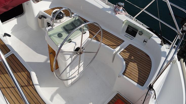 This 33.0' Bénéteau cand take up to 6 passengers around Split region