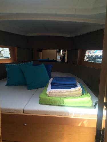 Beneteau boat for rent in Saronic Gulf