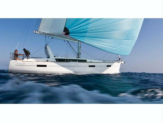 Discover Montenegro surroundings on this Oceanis 41 Bénéteau boat