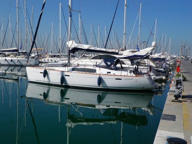 Bénéteau's 42.0 feet in Saronic Gulf