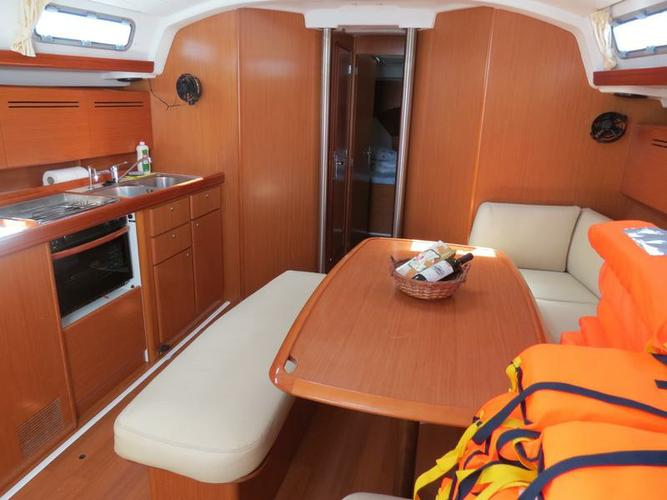 Discover Split region surroundings on this Cyclades 43.4 Bénéteau boat
