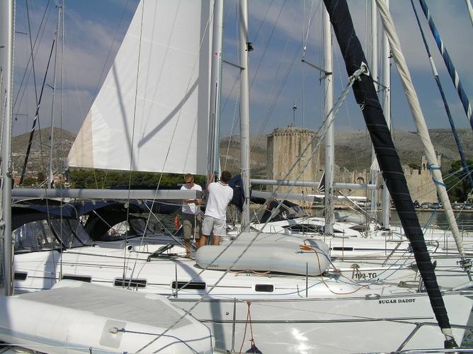 This 43.0' Bénéteau cand take up to 10 passengers around Split region