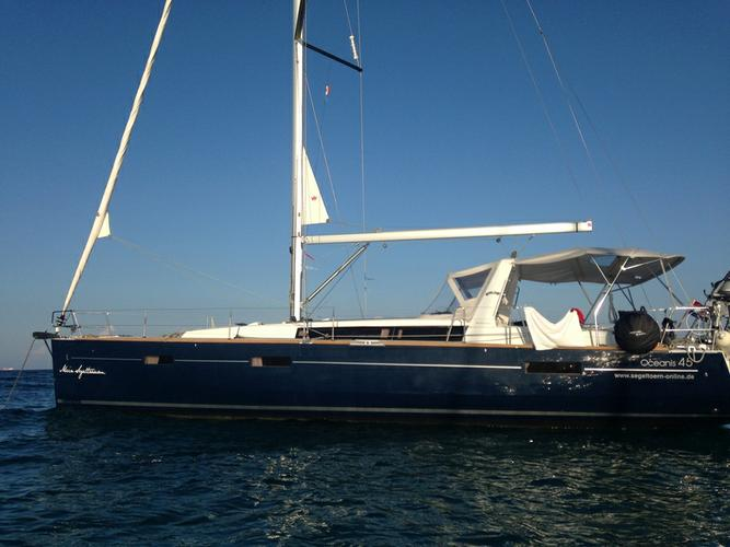 Discover Zadar region surroundings on this Oceanis 45 Bénéteau boat