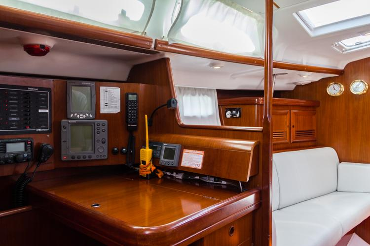 Discover Alcantara surroundings on this 47.3 Beneteau boat
