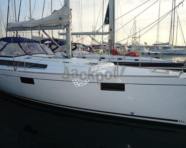 Discover Saronic Gulf surroundings on this Oceanis 48 Bénéteau boat