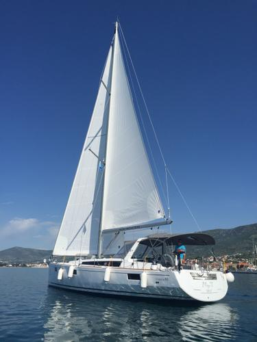 This 47.0' Bénéteau cand take up to 11 passengers around Split region