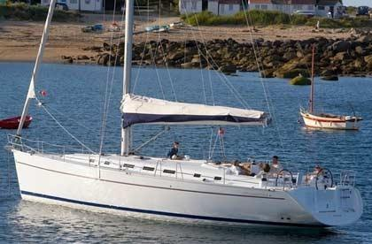 Enjoy luxury and comfort on this Bénéteau in Cyclades