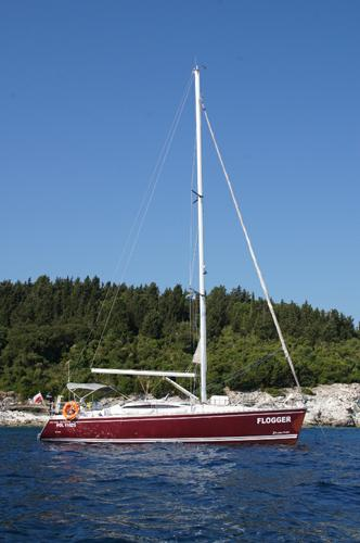 This 40.0' Delphia Yachts cand take up to 10 passengers around Split region