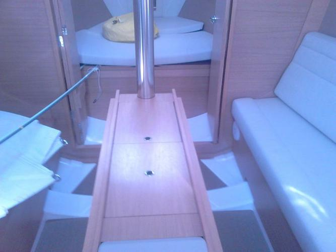 31.0 feet Dufour Yachts in great shape