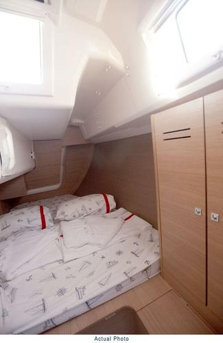 Dufour Yachts's 33.0 feet in Aegean