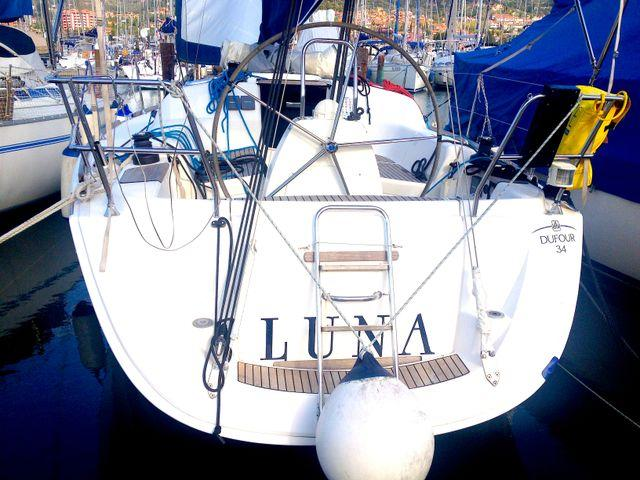 This 34.0' Dufour Yachts cand take up to 6 passengers around Primorska
