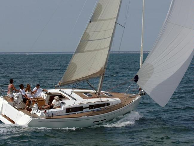 Take this Dufour Yachts Dufour 375 GL for a spin !