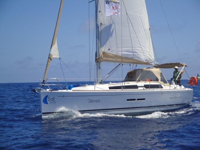 This 36.0' Dufour Yachts cand take up to 8 passengers around Azores