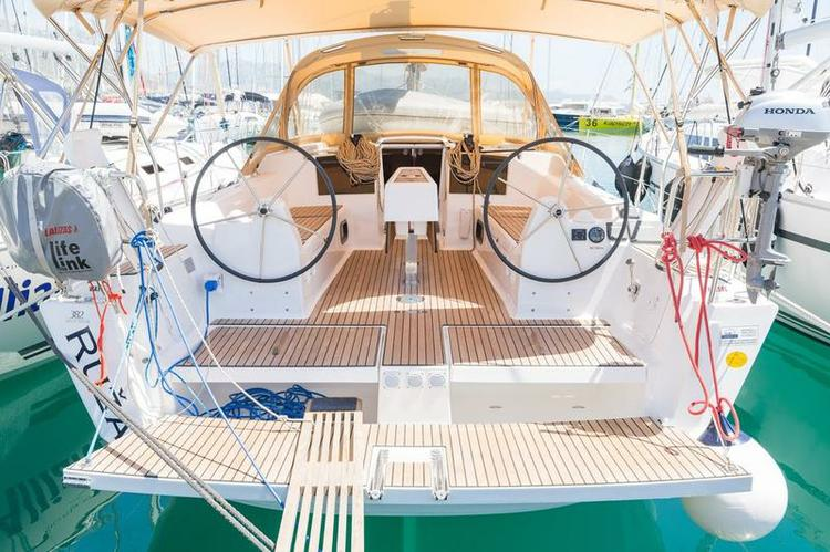 Enjoy luxury and comfort on this Dufour Yachts in Split region