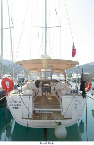 Discover Aegean surroundings on this Dufour 405 GL Dufour Yachts boat