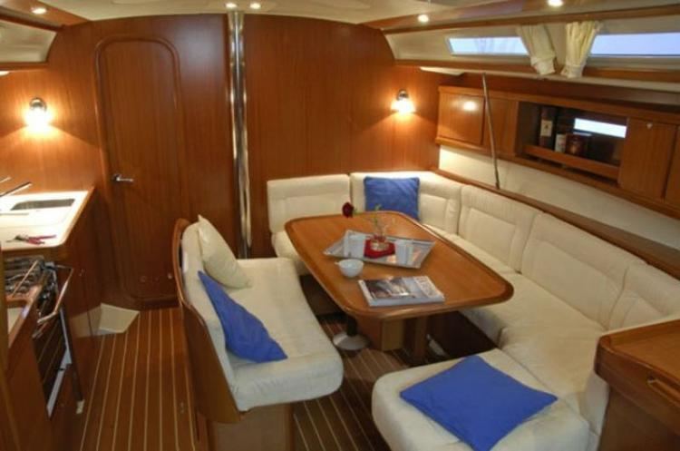 This 42.0' Dufour Yachts cand take up to 8 passengers around Split region