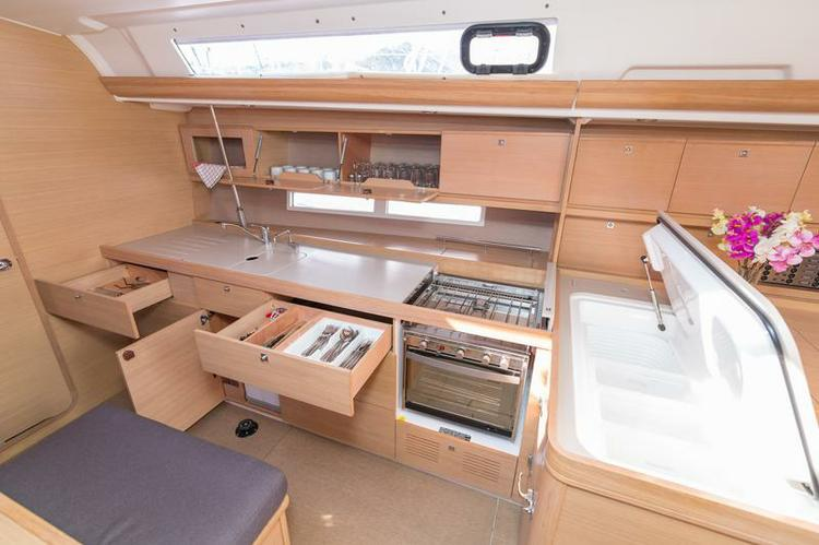 Discover Šibenik region surroundings on this Dufour 450 GL Dufour Yachts boat