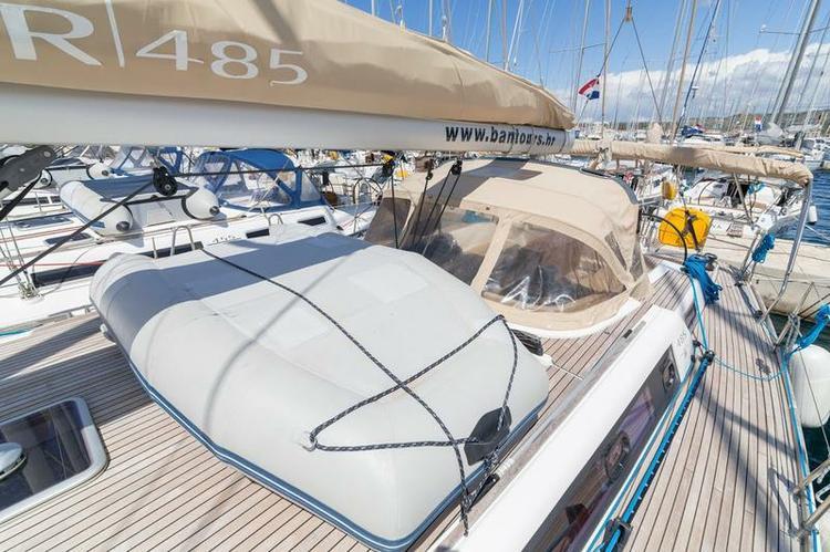 Discover Šibenik region surroundings on this Dufour 485 GL Dufour Yachts boat