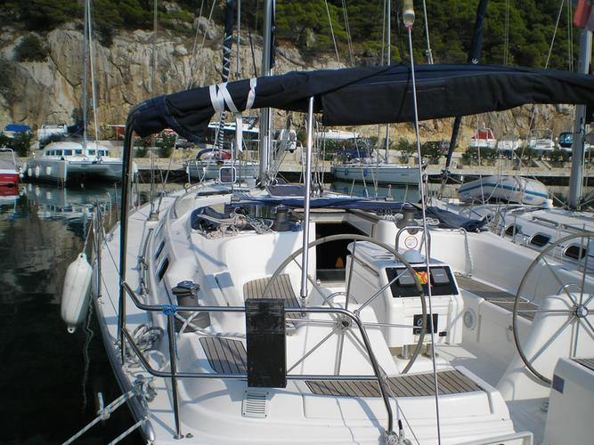 This 51.0' Dufour Yachts cand take up to 12 passengers around Split region