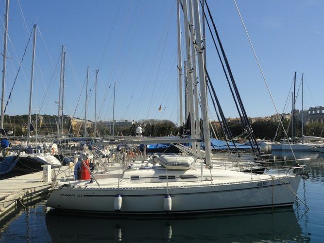 Elan Marine's 34.0 feet in Istra