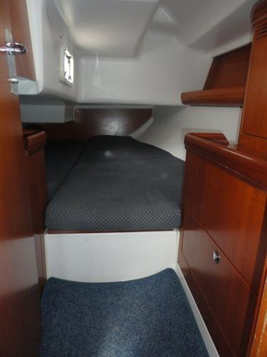 Discover Istra surroundings on this Elan 333 Elan Marine boat