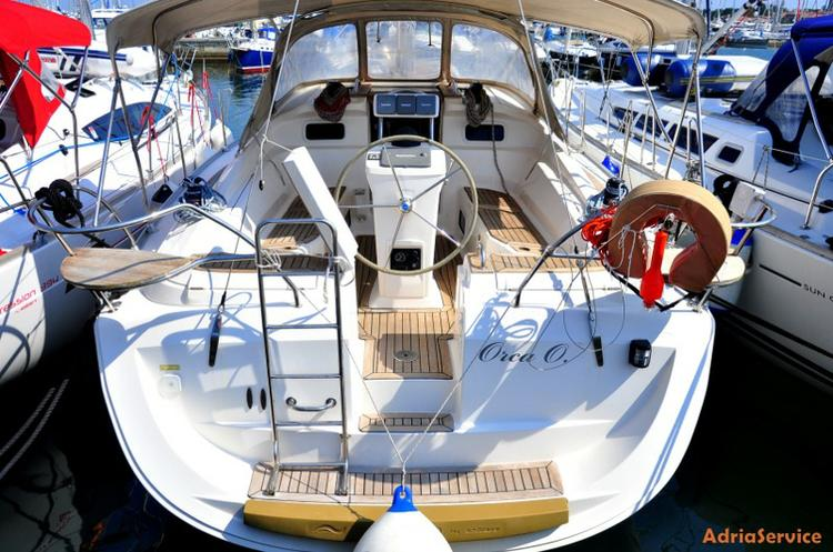 Enjoy luxury and comfort on this Elan Marine in Primorska