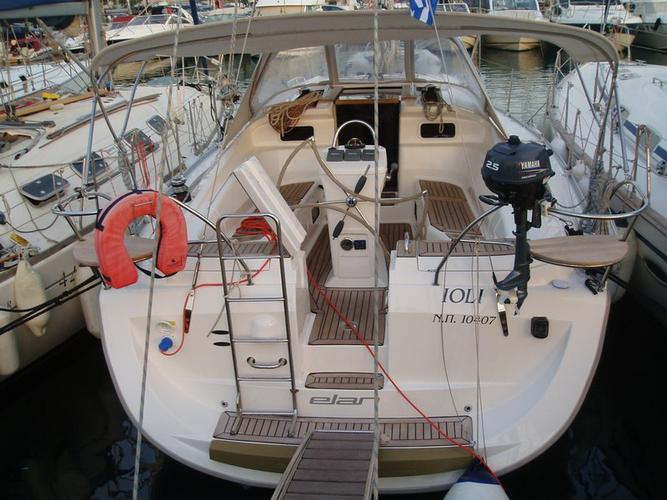 Jump aboard this beautiful Elan Marine Elan 384 Impression