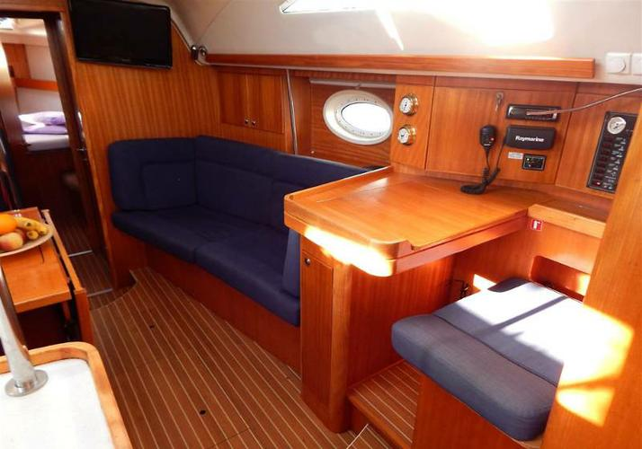 Elan Marine boat for rent in Dubrovnik region