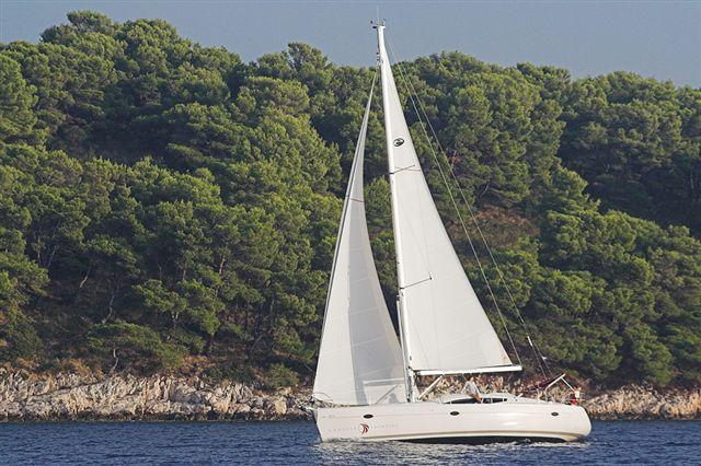 This 43.0' Elan Marine cand take up to 10 passengers around Dubrovnik region