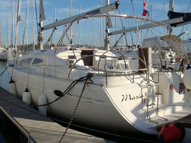 Charter this amazing Elan Marine in Šibenik region