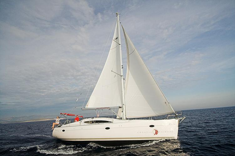 Elan Marine's 43.0 feet in Split region