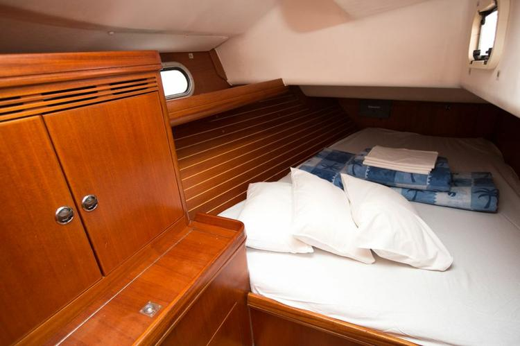 Discover Split region surroundings on this Elan 45 Elan Marine boat