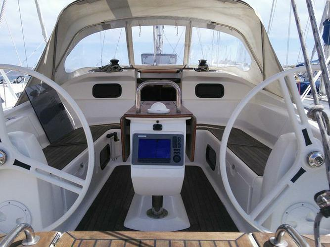 Elan Marine's 45.0 feet in Cyclades