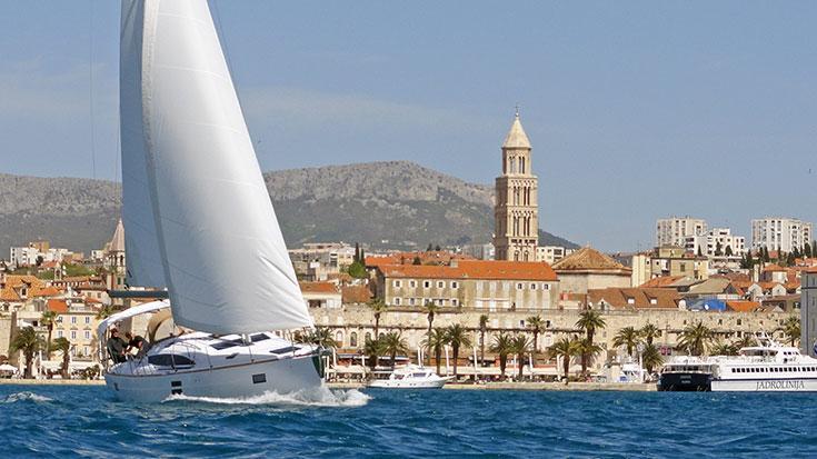 This 45.0' Elan Marine cand take up to 10 passengers around Split region