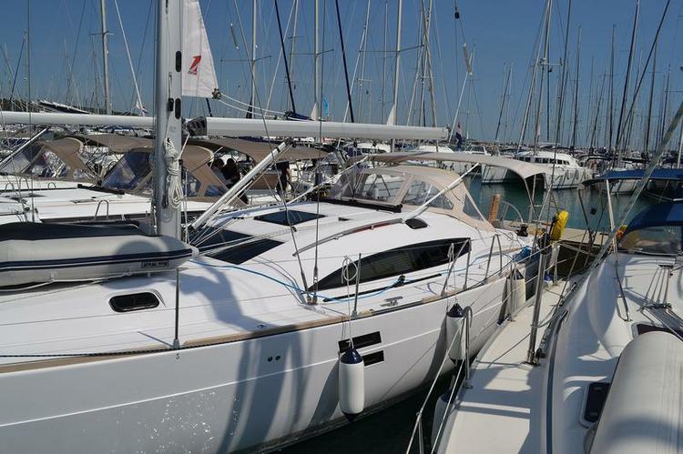 Discover Zadar region surroundings on this Elan 444 Impression Elan Marine boat