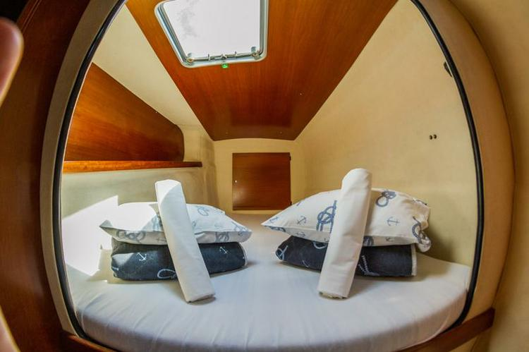 Discover Split region surroundings on this Athena 38 Fountaine Pajot boat