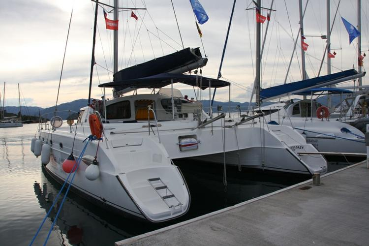 Unique experience on this beautiful Fountaine Pajot Belize 43
