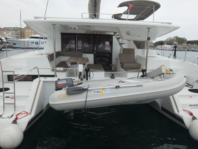 This 43.0' Fountaine Pajot cand take up to 8 passengers around Zadar region