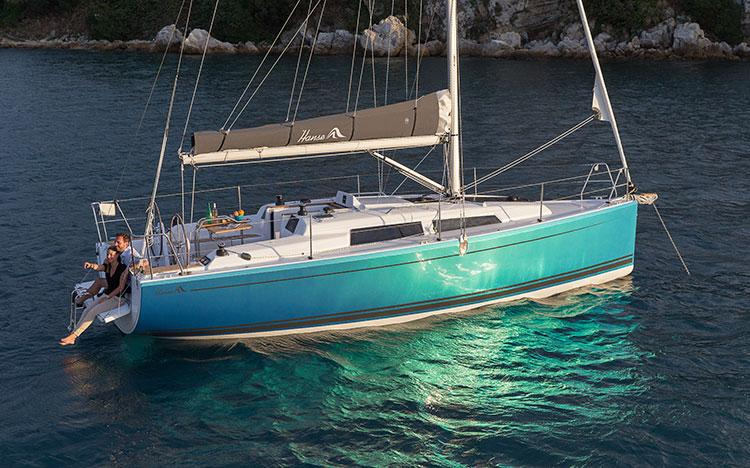 This 31.0' Hanse Yachts cand take up to 5 passengers around Split region