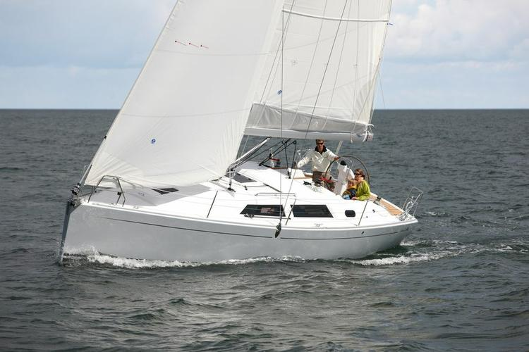 This 34.0' Hanse Yachts cand take up to 8 passengers around Dubrovnik region