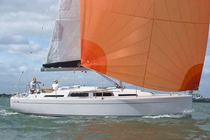 Discover Dubrovnik region surroundings on this Hanse 345 Hanse Yachts boat