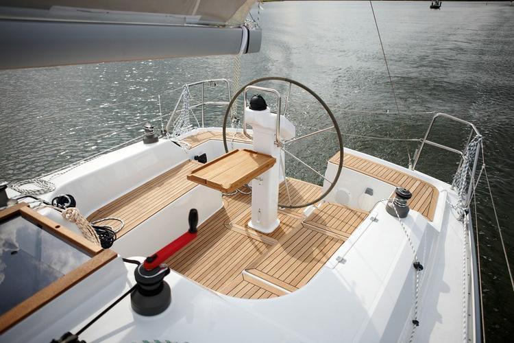 34.0 feet Hanse Yachts in great shape