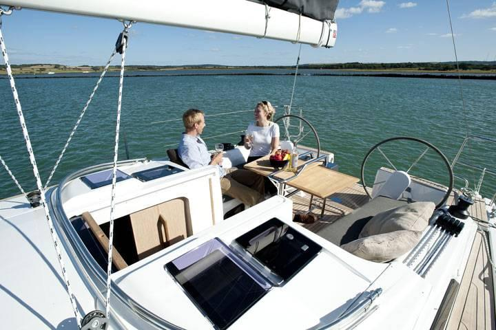 Discover Split region surroundings on this Hanse 345 Hanse Yachts boat