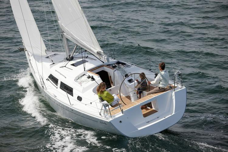 This 34.0' Hanse Yachts cand take up to 8 passengers around Zadar region