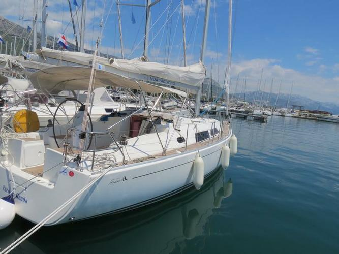 This 37.0' Hanse Yachts cand take up to 7 passengers around Split region