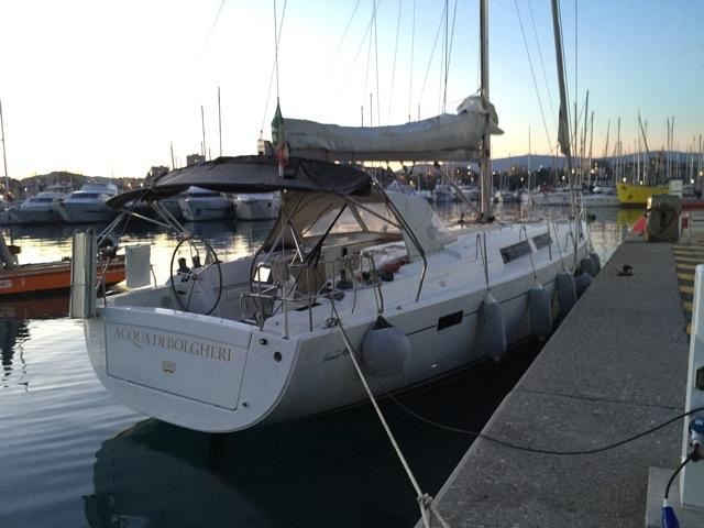 Take this Hanse Yachts Hanse 445 for a spin !