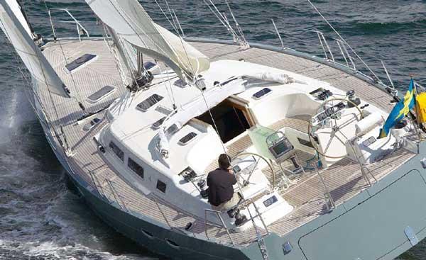 Charter this amazing Hanse Yachts Hanse 531 in Campania