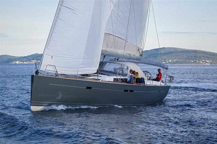 This 52.0' Hanse Yachts cand take up to 6 passengers around Split region