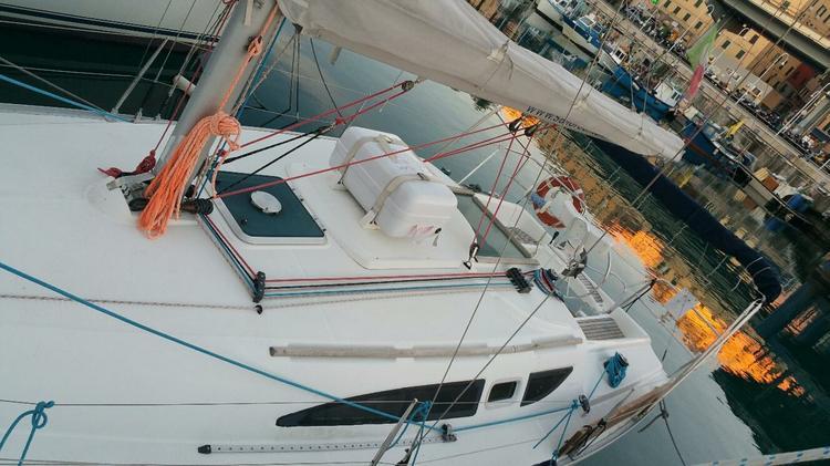Rent this Jeanneau Sun Odyssey 32 for a true nautical adventure